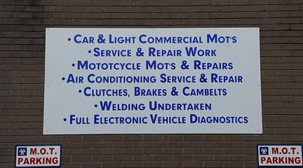 Kustom Signs Vinyl lettering Specialists Cwmbran Torfaen