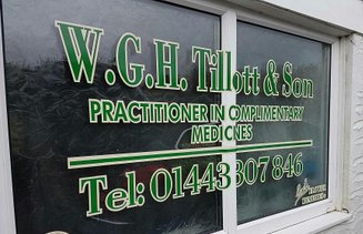 Window lettering, advertise